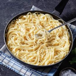 Spaghetti al cacio e pepe